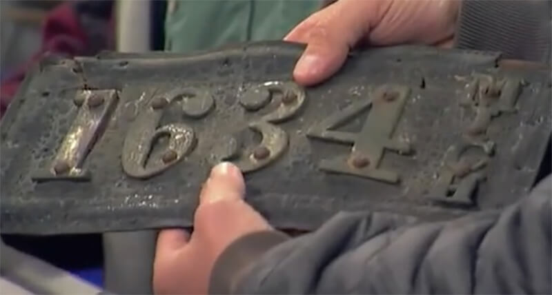 leather-license-plate-american-pickers