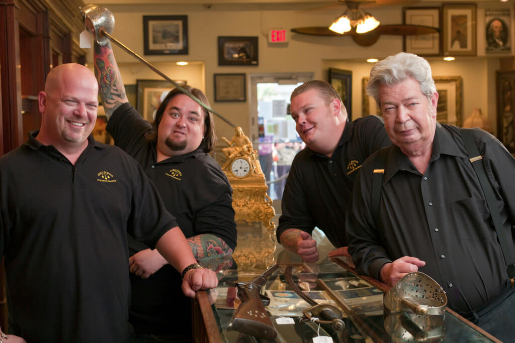 pawn-stars-counter-80950-27071.jpg