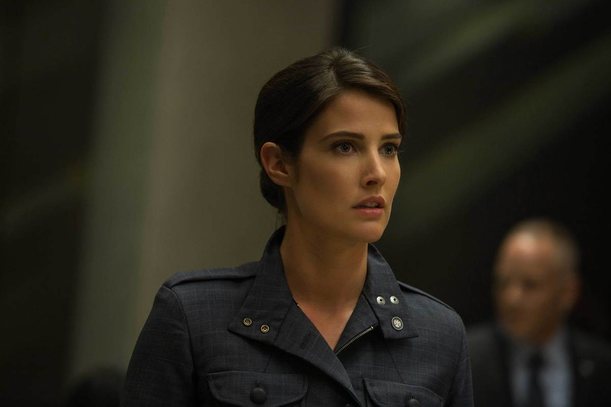 cobie smuldrs in camptain america winter soldier