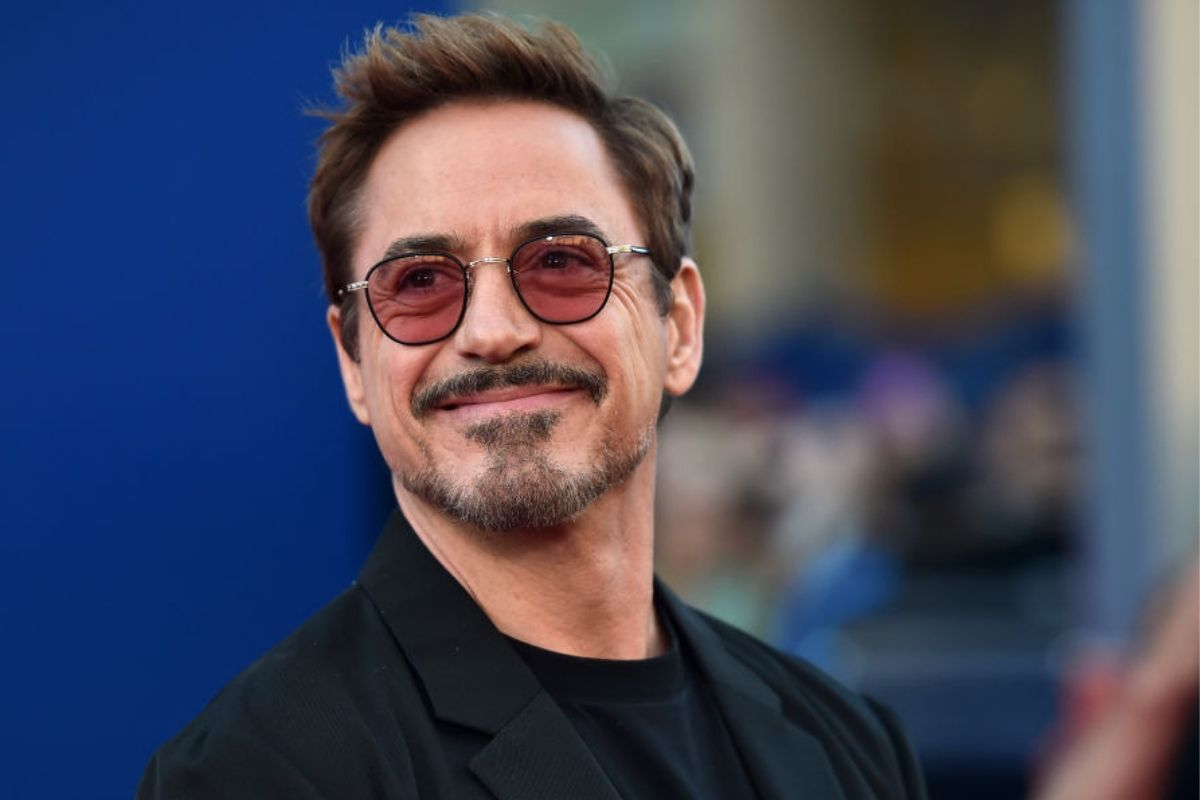 robert downey jr on red carpet