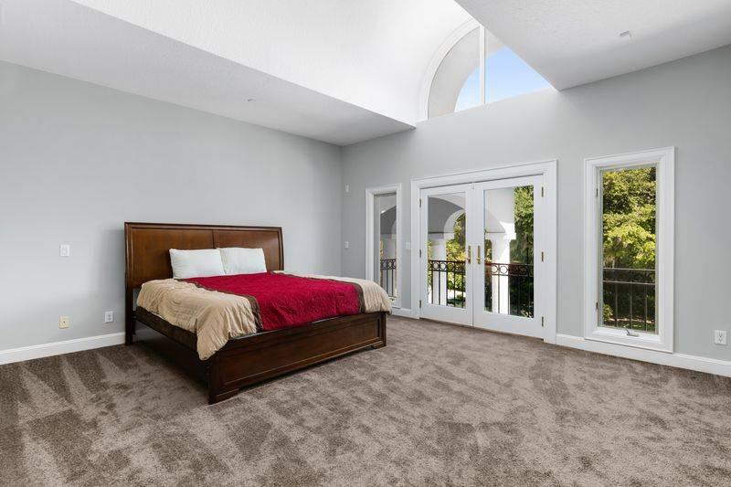 shaq-bedroom-4