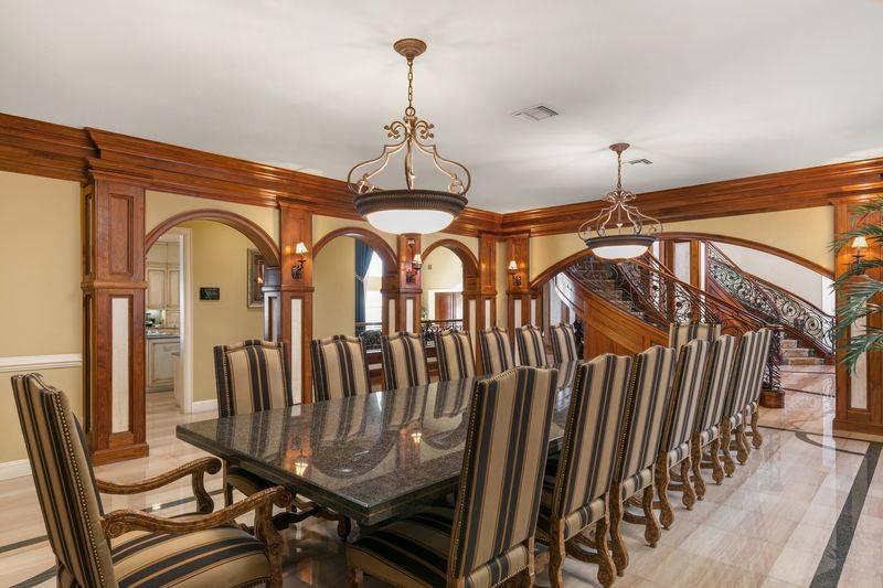 shaq-dining-room