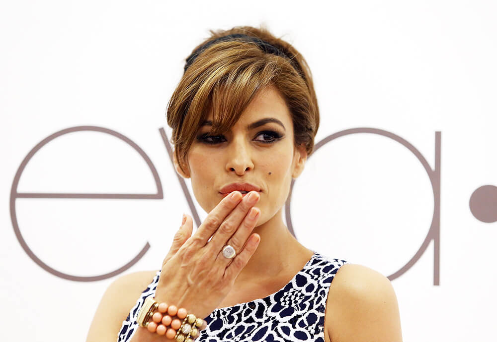 Eva Mendes Stays Active in the Fashion Industry