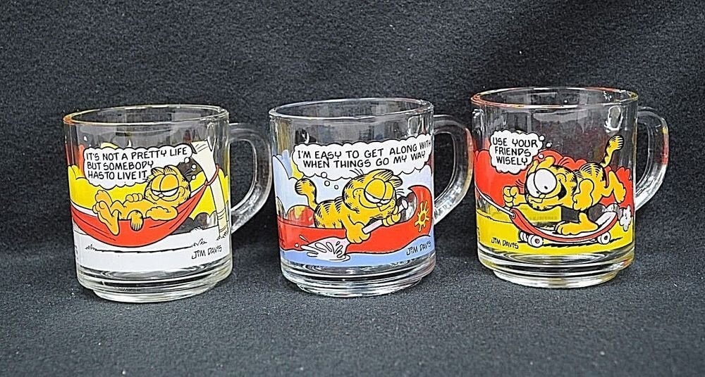 garfield glass coffee mugs.jpg